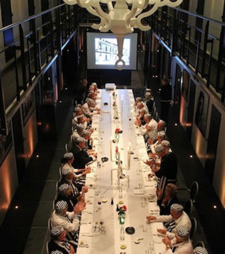 Ce restaurant fait partie des pièces communes de l'hôtel de luxe Het Arresthuis