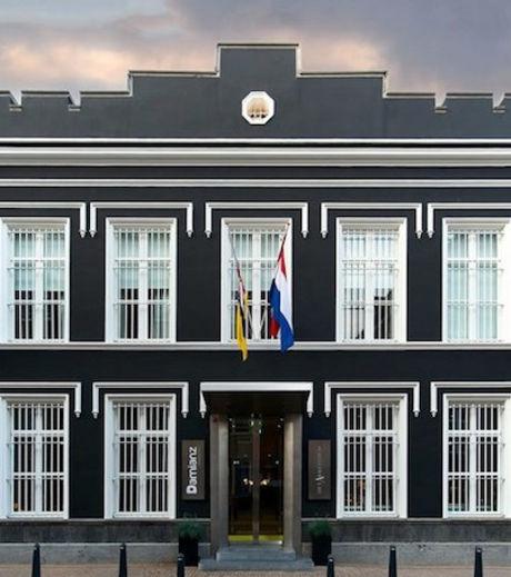 Voici la façade de l'hôtel Het Arresthuis qui, au XIXe siècle, était une prison