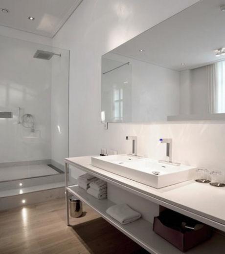 Les chambres de l'hôtel Het Arresthuis présentent toutes des lits doubles ainsi qu'une douche spacieuse
